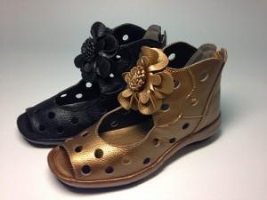 婦人靴 レディースシューズ 春ブーツ・お花パンチングブーツ  本革 yuriko matsumoto